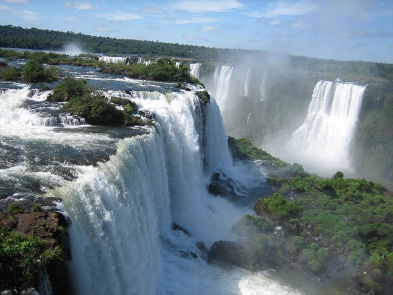 CATARATAS DEL IGUAZÚ. Uno de los destinos más famosos del país.