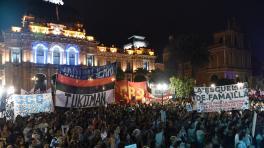 La plaza Independencia fue el epicentro del repudio al golpe