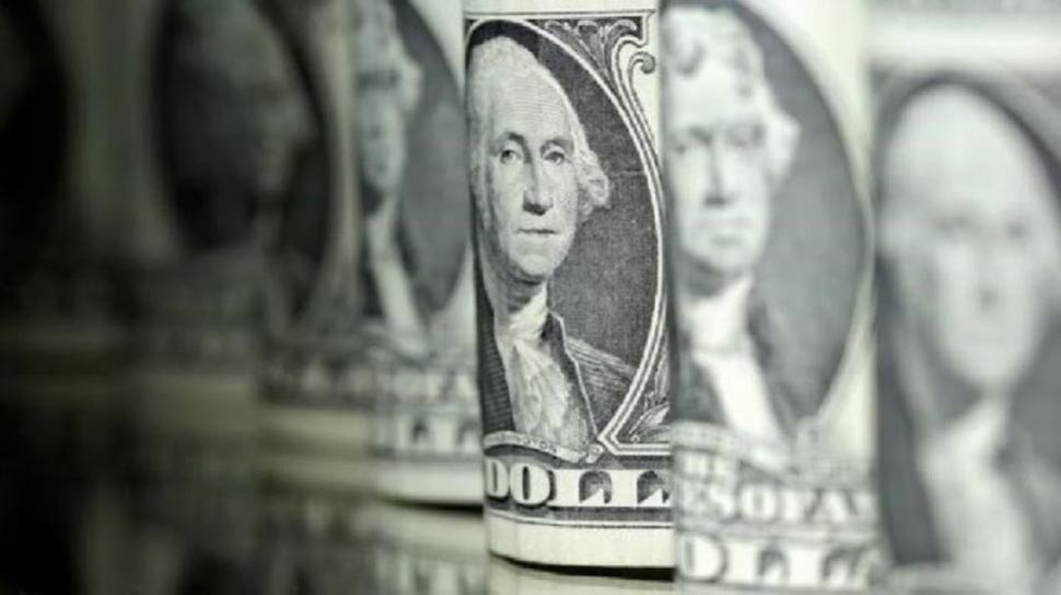 Dólar hoy: ya se vende a más de $ 44 en algunos bancos