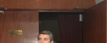 Maley se cruza con legisladores y da por presentado su informe