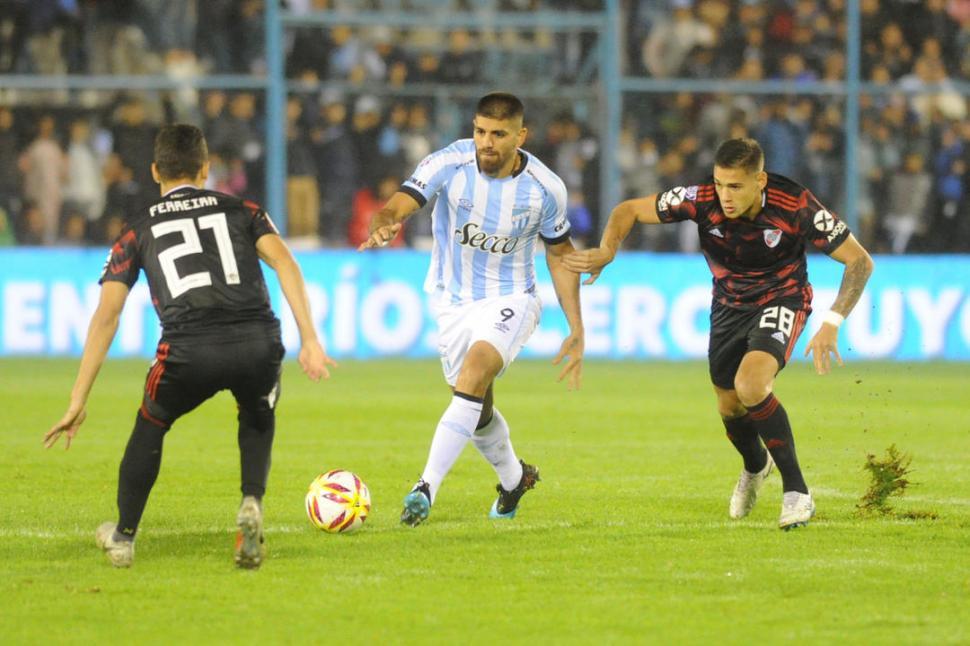 River goleó en Salta y pasó de ronda en la Copa Argentina