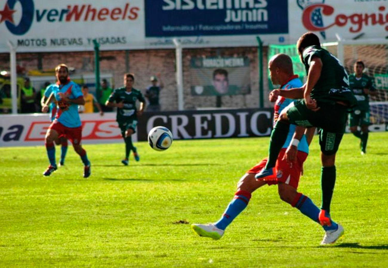 Sarmiento, Arsenal y Chicago se juegan el ascenso a la Superliga