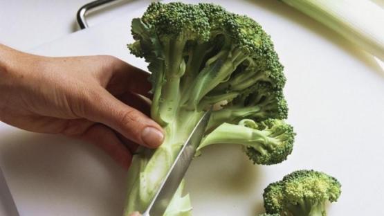 El tronco del brócoli también nutre