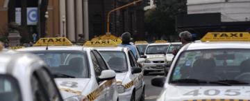 Los dueños de taxis solicitan un aumento del 30%