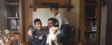 Julio curó su corazón herido al convertirse en el papá de Lauti y Ramiro