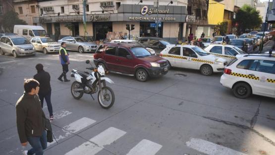 Sin semáforos, el centro fue caótico y peligroso
