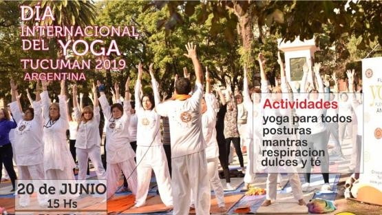 Celebran el Día Mundial del Yoga con una clase pública en la plaza San Martín