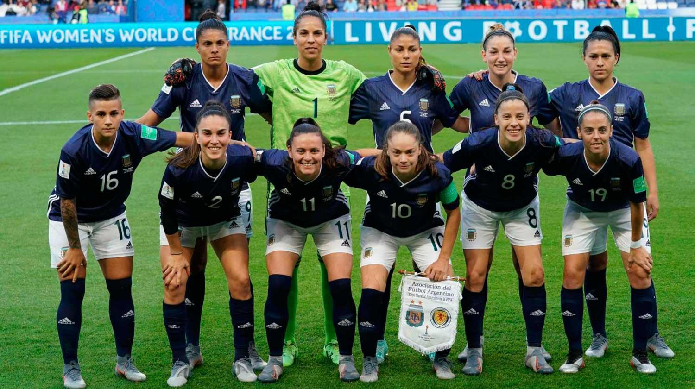 Cálido recibimiento a la selección argentina