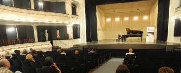 El piano Steinway  del teatro San Martín tiene muchísimo trabajo
