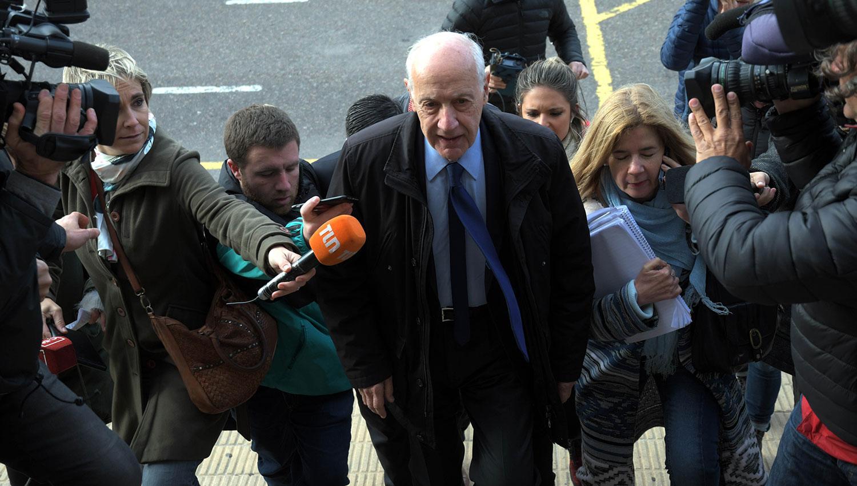 El momento en el que Lavagna llegaba a tribunales. TÉLAM