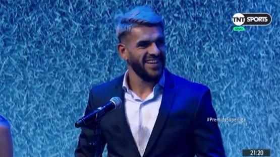 Javier Toledo recibió el premio al goleador de la Superliga