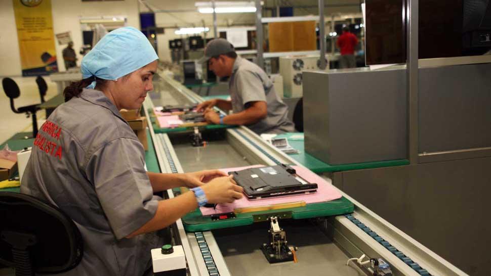 La industria acarrea una caída del 9,4% en seis meses