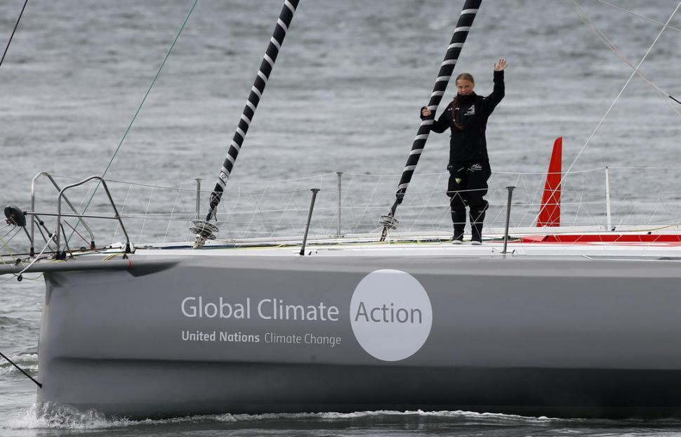 Greta Thunberg cruza el océano Atlántico: Aquí puedes revisar en tiempo real dónde viene la joven activista