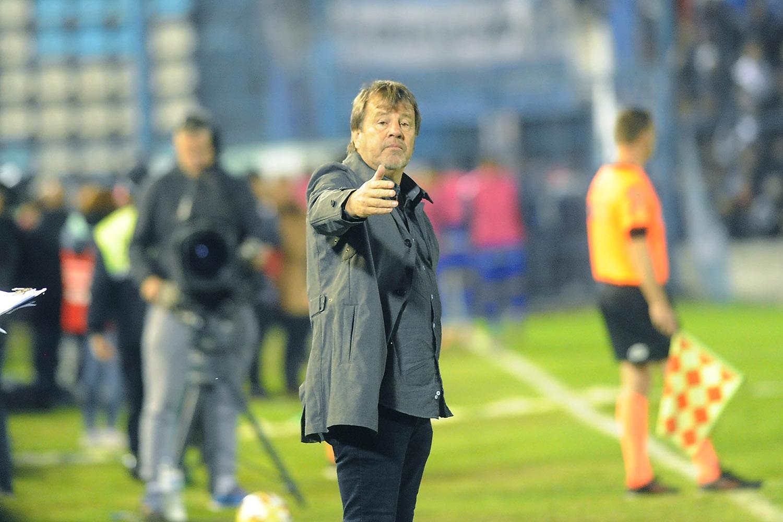 Bernardi, el primer entrenador despedido de la Superliga 2019/20