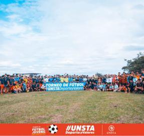 Más de 700 estudiantes participan en el torneo de fútbol organizado por la Unsta