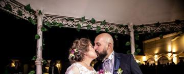 El amor en tiempos de crisis: donaron su regalo de bodas para obras de caridad
