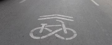 Ciclistas en la ciudad: invisibles y vulnerables, pero también transgresores