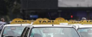 Los taxistas denuncian más asaltos a punta de pistola, por lo que exigen mayor control policial
