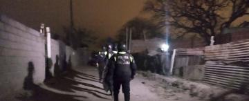 La Policía intenta llevar un poco de paz a La Costanera
