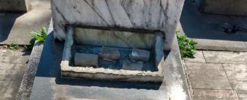 Rompieron tumbas y hurtaron bronce en el cementerio Israelita