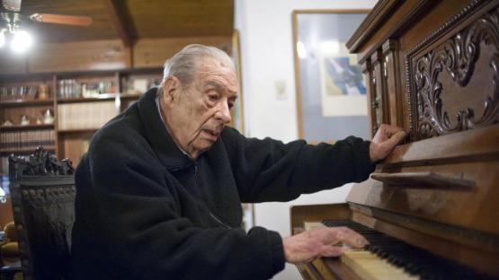 La Legislatura rinde homenaje al Pato Gentilini