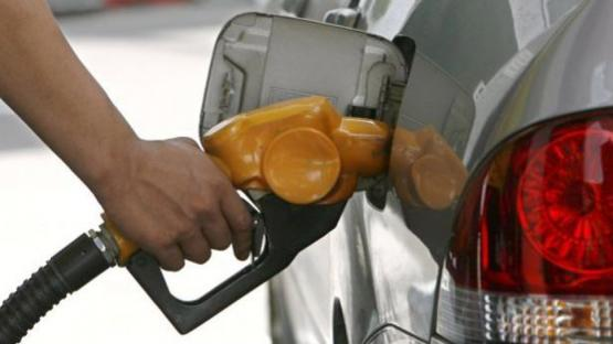 Se terminó el congelamiento de los precios de las naftas: mañana suben un 4%