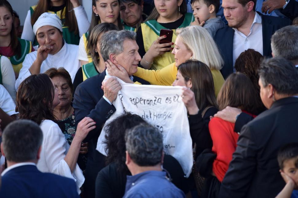 De gira por Tucumán, Macri busca torcer el rumbo electoral