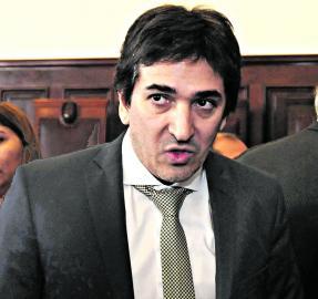 Ratifican una denuncia en contra del fiscal Bonari por violencia de género