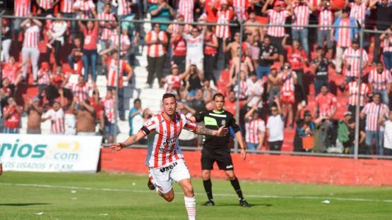 San Martín le ganó bien a Brown de Adrogué gracias al doblete de Pons