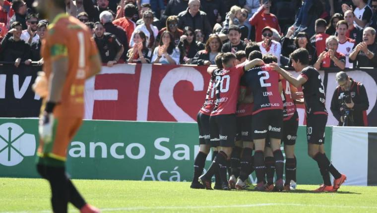 Con un golazo de Cacciabue, Newell's derrota a Aldosivi