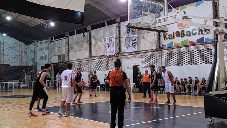 Luis Núñez, de Estudiantes, en la línea de libres. La Cebra fue campeón del Apertura. (FOTO TOMADA DE TODOBASKET)