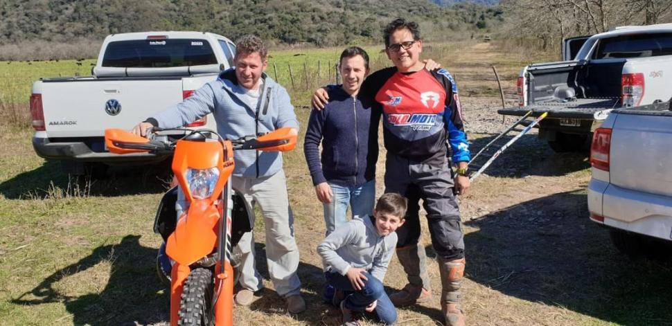 """PRUEBAS. Los pilotos Zavadivker, Chaya y Alzabé ensayan para el """"Transmo"""". PACO FOTO AGENCIA"""