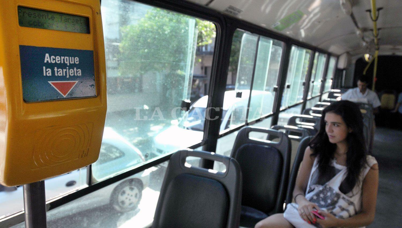 Ómnibus: mientras en Tucumán hay incertifumbre; en Rosario reciben fondos nacionales thumbnail