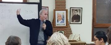 """Padre Rafael Velasco: """"la gente no tiene menos fe, lo que tiene es otra relación con Dios"""""""