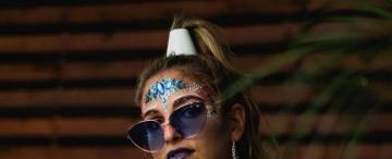 Maquillaje alternativo: cómo expresar nuestra personalidad a través del glitter