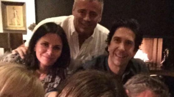 Jennifer Aniston debutó en Instragram con una foto de los ex Friends que batió récord