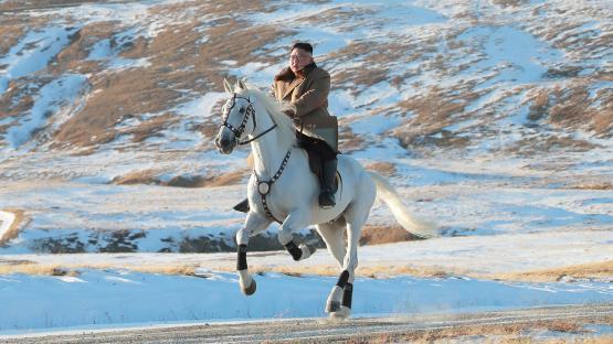 Por qué Corea del Norte publicó fotos de tono épico de Kim Jong-un cabalgando