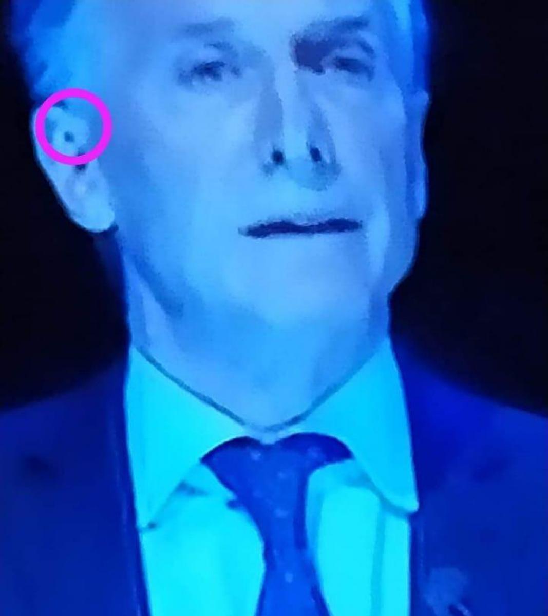 Niegan que Macri tenía un auricular anoche durante el #DebatePresidencial