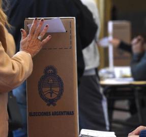 Ojos que no ven, votos que se pierden: el control de los sufragios será riguroso este domingo