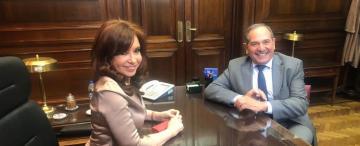 La suerte de Alperovich en el Congreso podría depender de Cristina y de Massa