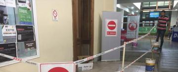 Una pared de la Facultad de Derecho asusta a los estudiantes