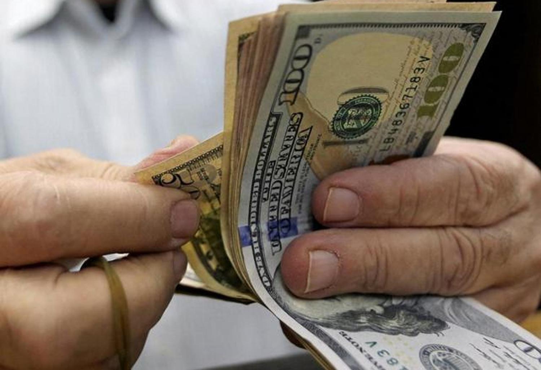Cotización del dólar: El oficial y el blue, en baja