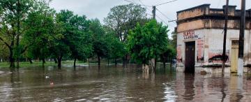 Villa Quinteros, tapada por agua y con vecinos que exigen acciones y no mentiras