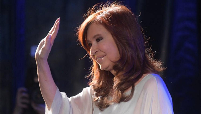 Cristina posterga su regreso de Cuba para el próximo domingo
