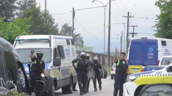 Los Acevedo hacen una investigación paralela del crimen de su hermano y ofrecen recompensa