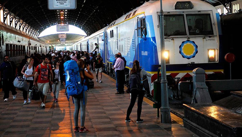 El tren que une Buenos Aires con Tucumán presta un servicio limitado - Actualidad | La Gaceta - La Gaceta