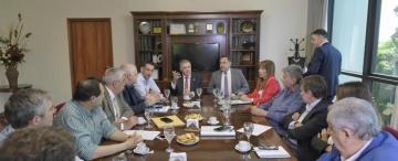 Manzur espera el aval legislativo para acceder a un préstamo para pagar los sueldos
