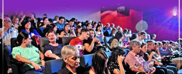 La platea aplaudió una noche de buen cine