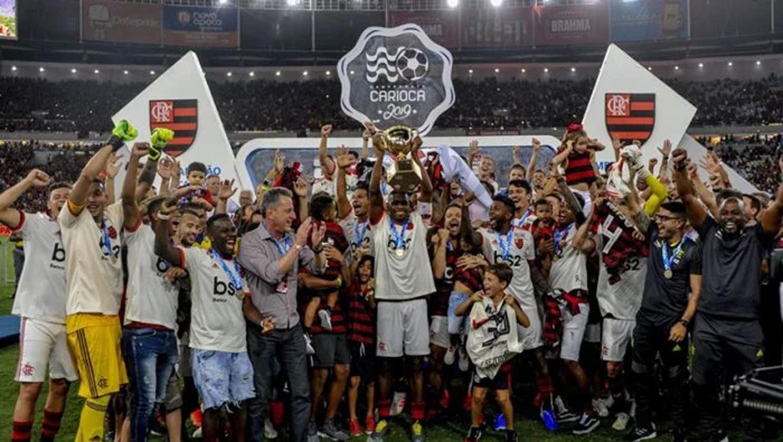 Por qué fue multado cuando levantó la Copa Libertadores en Lima — Flamengo