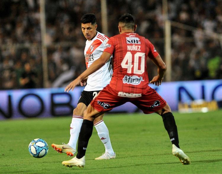 River empieza a asegurar el triunfo sobre Central Córdoba y favorece a Atlético